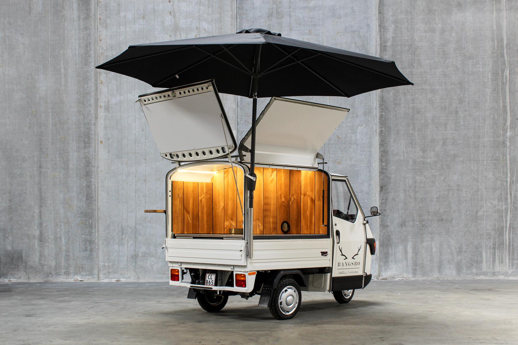 Møllehuset snack truck kitchen and bar on wheels forest food tuktuk